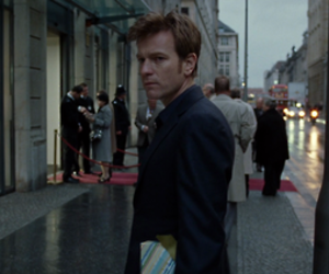 ewan mcgregor and the ghost writer image