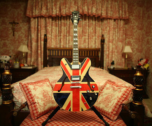 guitar, british, and london image