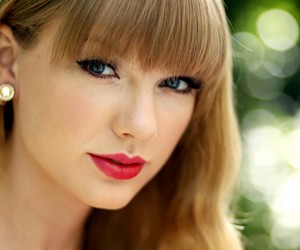 Taylor Swift, gorgeous, and red lips image