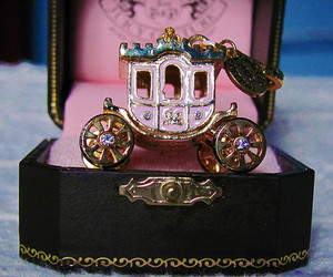 carriage and pink image