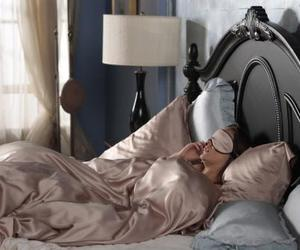 gossip girl, blair waldorf, and bed image