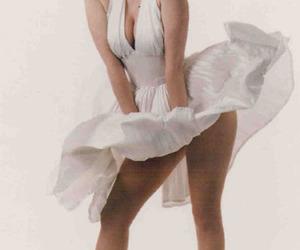 fake and Marilyn Monroe image