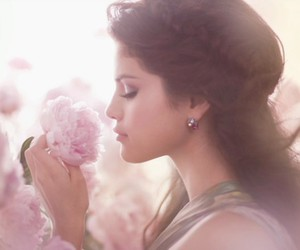 selena gomez, flowers, and selena image