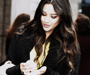 beauty, pll, and shay mitchell image