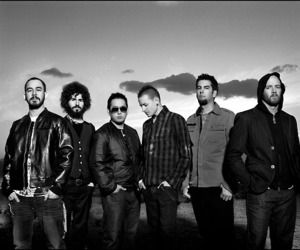 b&w, linkin park, and photography image