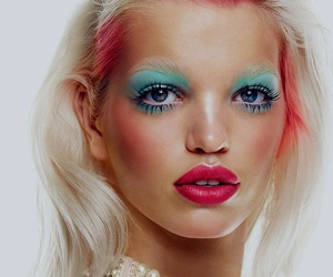 model and daphne groeneveld image