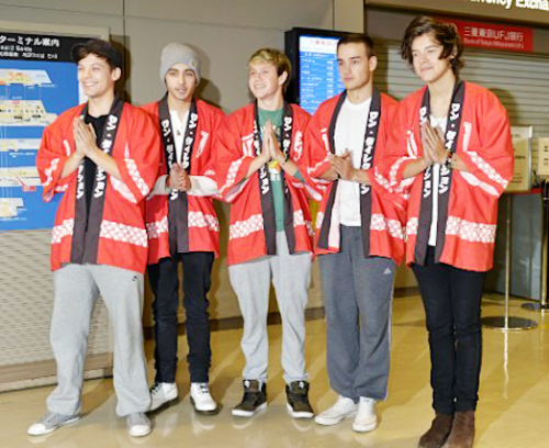 japan, cute, and one direction image