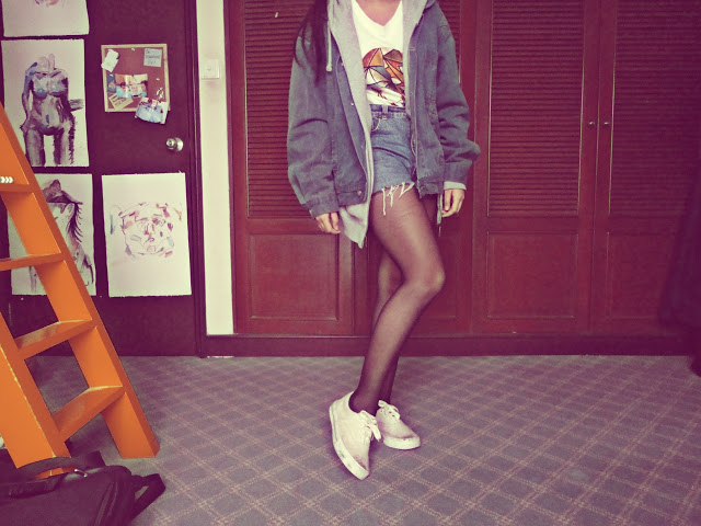 denim, high waist, and hipster image