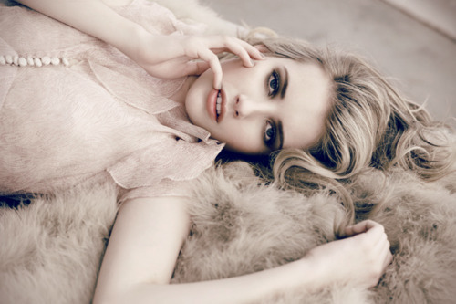 emma roberts and blonde image