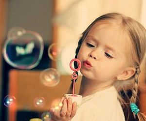 girl, bubbles, and child image