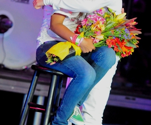 justin bieber and one less lonely girl image