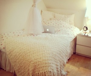 bedroom, girl, and pretty image