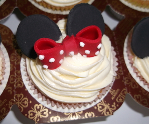 birthday, cupcakes, and minnie mouse image