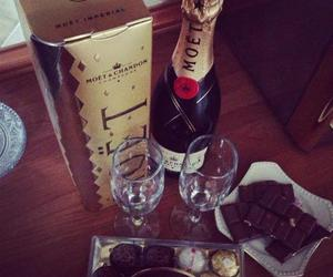moet and instagram image