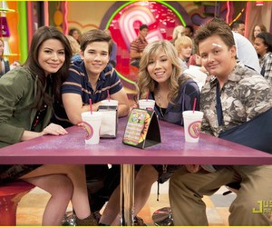 miranda cosgrove, nathan kress, and jennette mccurdy image