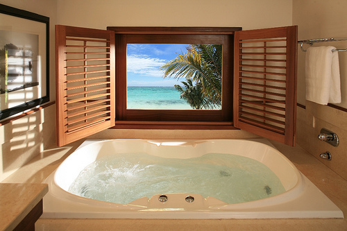 Bath-bathroom-beach-luxury-favim.com-613785_large