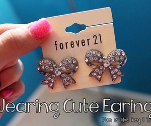 bows and earrings image