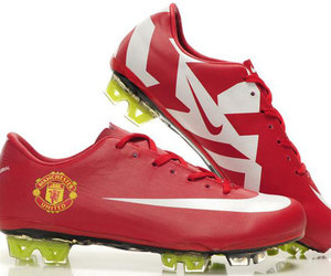 nike soccer cleats, nike cleat, and nike mercurial fg image