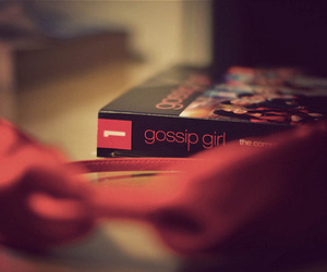 gossip girl, book, and bow image