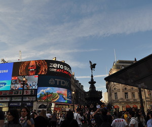 london, mall, and picadilly image