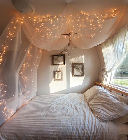 amor, bedding, and lay down image