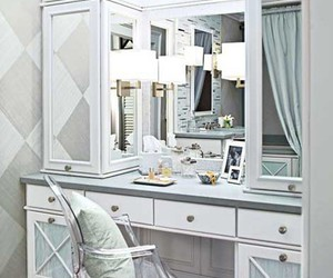 ultimate makeup table image