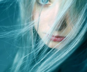 girl and blue eyes image
