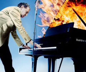 jerry lee lewis, piano, and jerry lee image