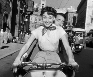 audrey hepburn, roman holiday, and black and white image