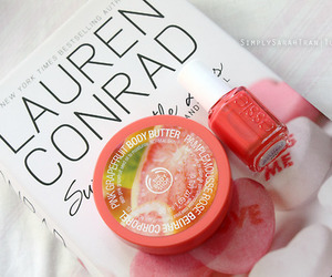 lauren conrad, essie, and book image