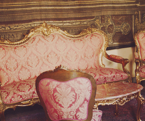 vintage, pink, and sofa image