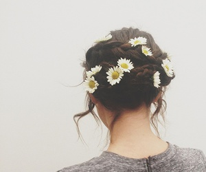daisies, hairstyles, and daisy image