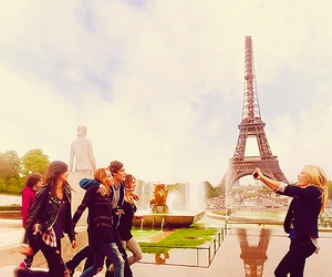 paris, lol, and friends image
