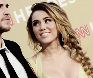 miley cyrus, liam hemsworth, and hair image