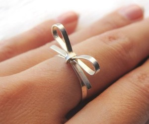 bow and ring image