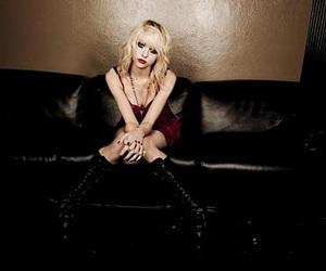Taylor Momsen, blonde, and rock image