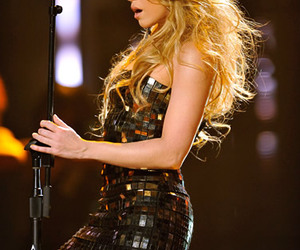 shakira, dress, and pretty image