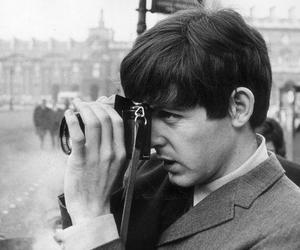 Paul McCartney, camera, and the beatles image