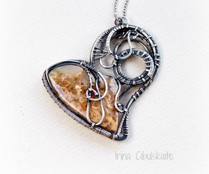 serce and wire wrapping image