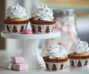 cream, cupcake, and lovely image