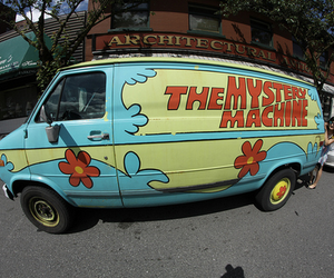 photography and the mystery machine image