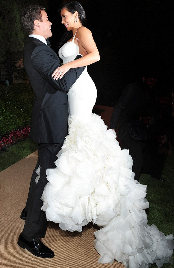 d0653eb6b5644 Your Wedding: Kim Kardashian wore three Vera Wang wedding gowns on ...