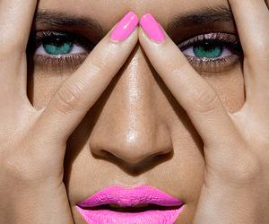 nails, pink, and eyes image