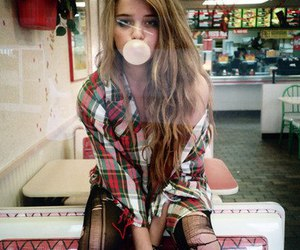 girl, sky ferreira, and gum image