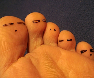 face, foot, and toes image