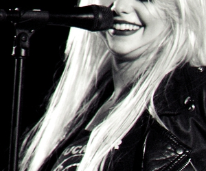 b&w, xxxx, and the pretty reckless image