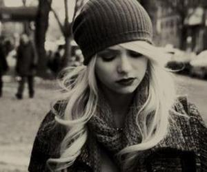 Taylor Momsen, gossip girl, and black and white image