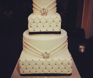 wedding cake and wedding image