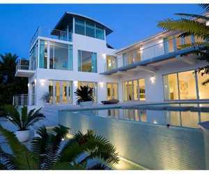 miami beach luxe home image