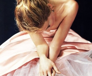 girl, pink, and sarah jessica parker image